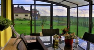 How to Select the Best Patio Enclosure for Your Home